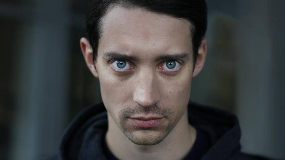 Adam Lundgren som Mattias i nya serien Blå ögon.