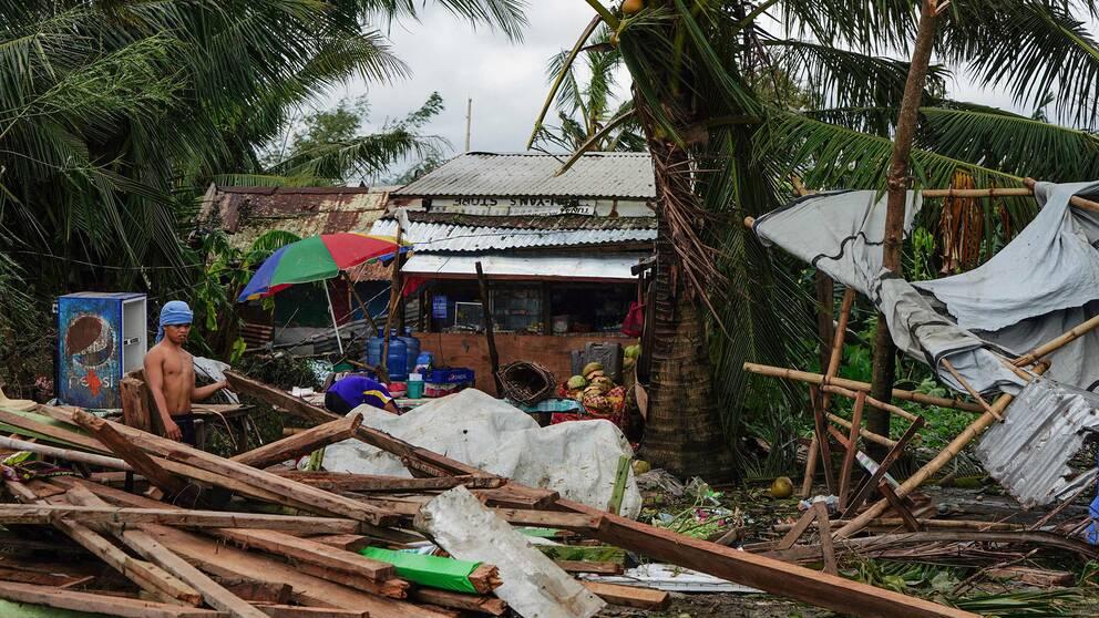 Ett hus som förstörts i Tacloban, i Leyte provinsen i Filippinerna.
