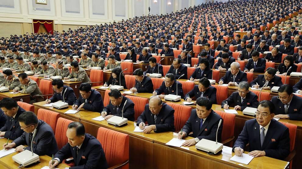Centralkommittén i Nordkoreas styrande parti sammanträder i Pyongyang den 29 december 2019.