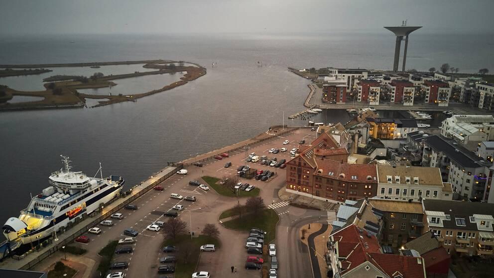 drönarbild av hamnen i Landskrona