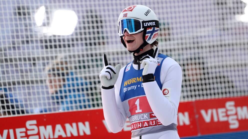 Marius Lindvik vann på nytt i backhopparveckan.