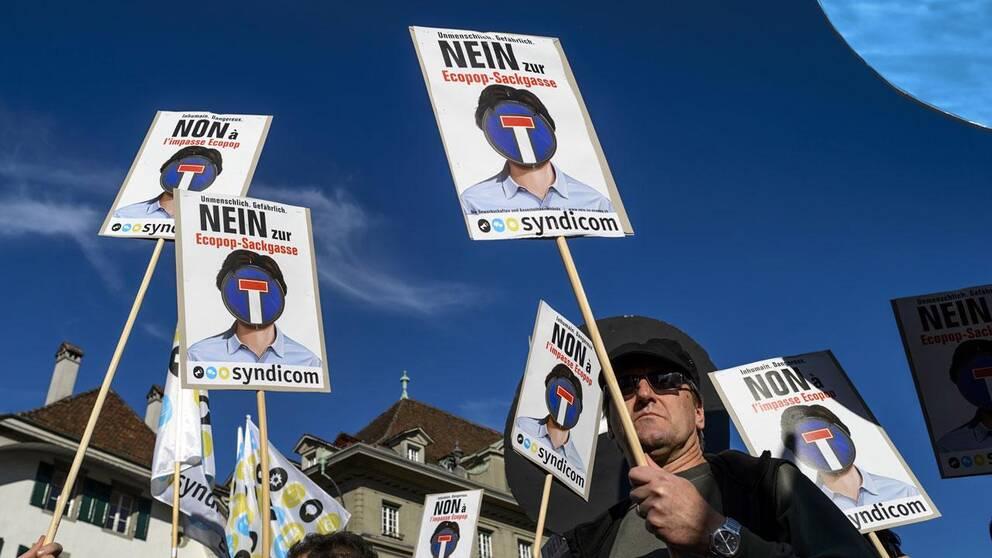 Motståndare till Ecopop-initiativet demonstrerar