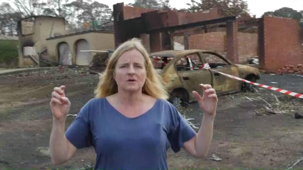 SVT:s korrespondent Ulrika Bergsten på plats i en av de brandhärjade australiska byarna