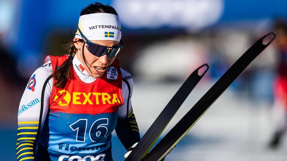 Charlotte Kalla pustar ut efter avslutningen i Tour de Ski.