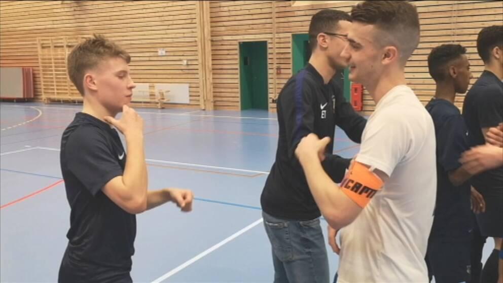 DCL: Båda svenska herrlagen till slutspel