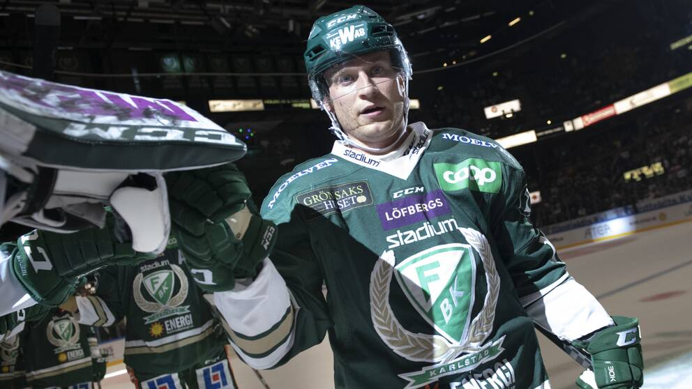 Färjestadsspelaren Marcus Nilsson i matchtröja.