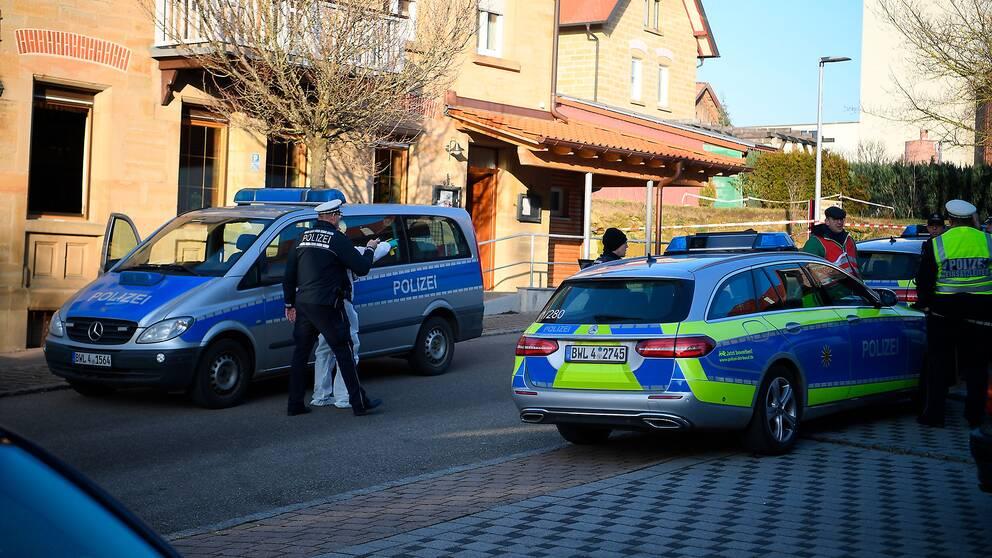 Poliser på plats i Rot am See där skjutningen ägde rum