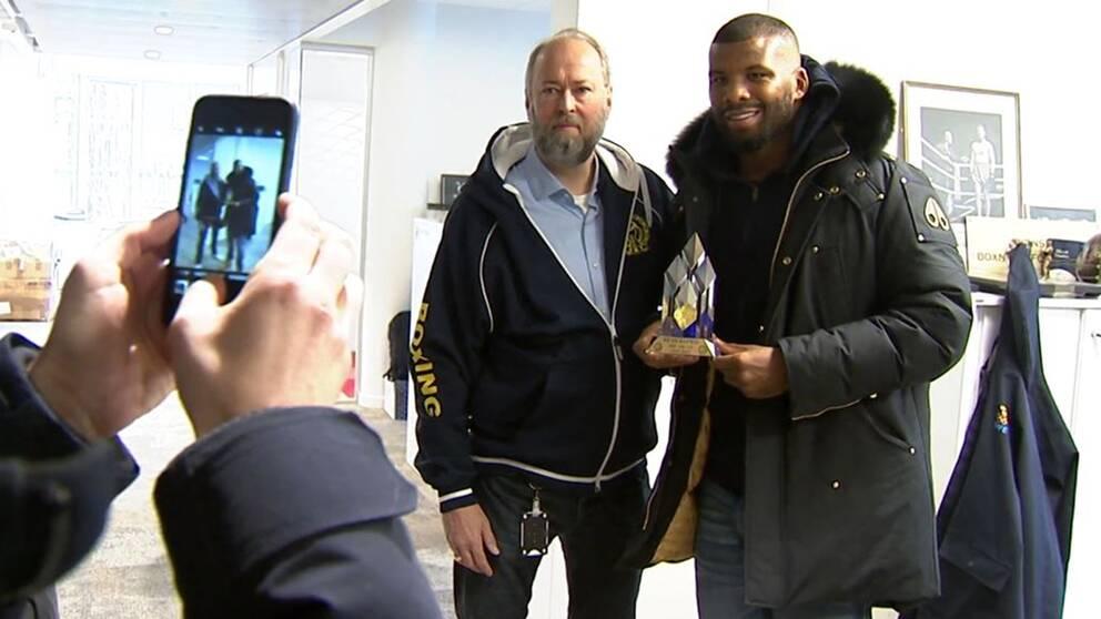 Badou Jack tilldelas ett hederspris av Svenska Boxningsförbundet för sin betydelse för svensk boxning.