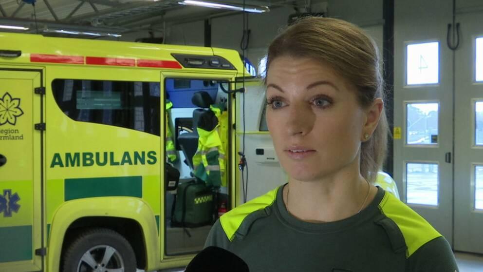 Sara Berg, som är ambulanssjuksköterska, tycker att man har rätt att känna sig trygg på jobbet.
