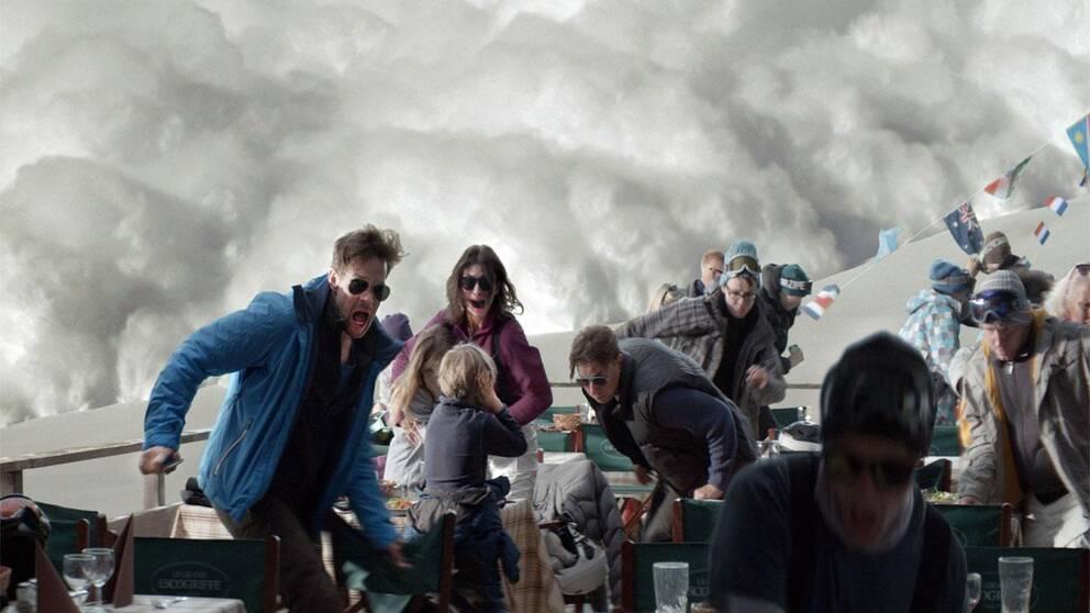 "En bild ur lavinscenen i Ruben Östlunds ""Turist""."
