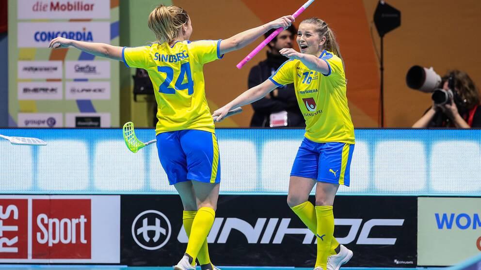 Moa Gustafsson, till höger, gjorde fyra mål i Finnkampen.