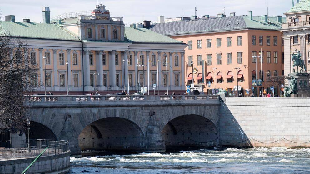 Utrikesdepartementet i Stockholm, sett från andra sidan vattnet.