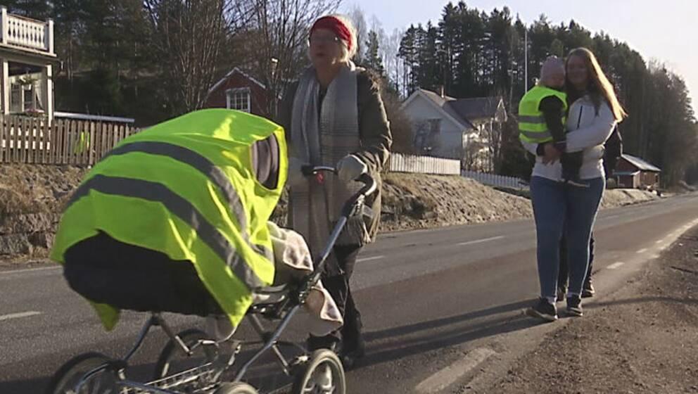 Linnea Uddström har med andan i halsen kastat sig i diket med barn och barnvagn fler gånger