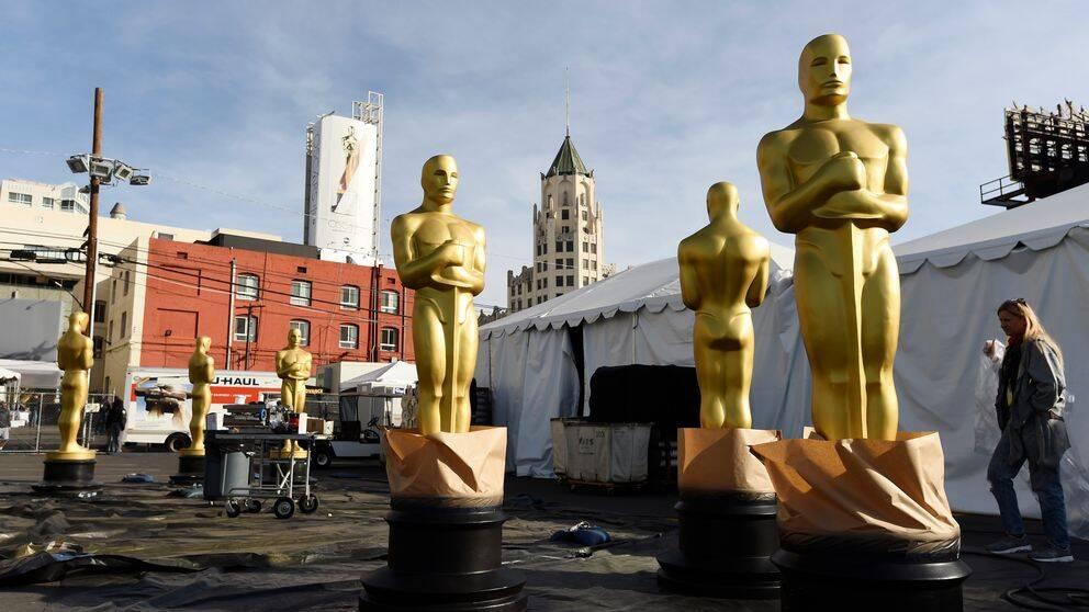 Stora Oscarsstatyer på Hollywood Boulevard inför den 92:a Oscarsgalan.