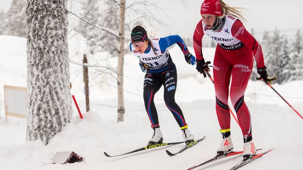 Ebba Andersson, till vänster, under fjolårets SM-vecka.