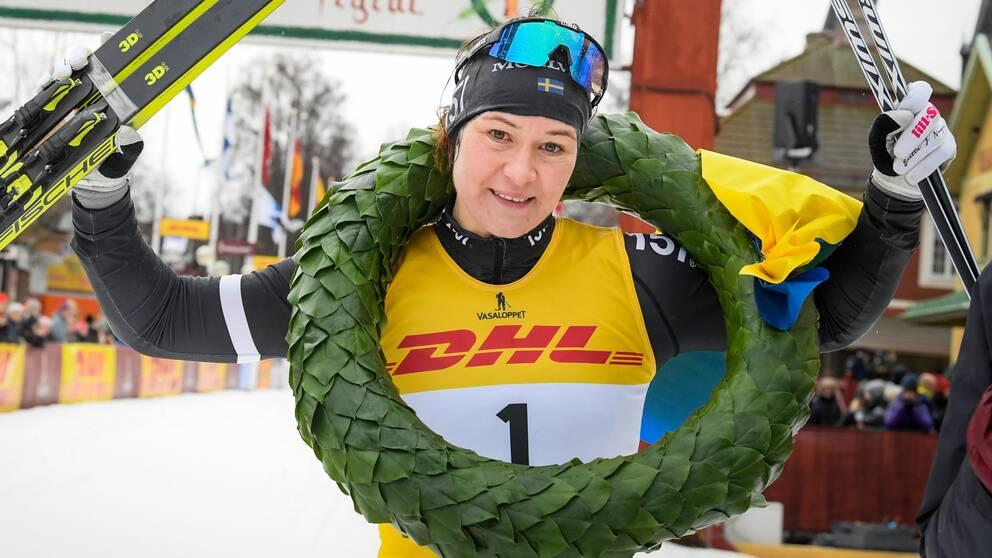 Britta Johansson Norgren vinner Tjejvasan som går mellan Oxberg och Mora.