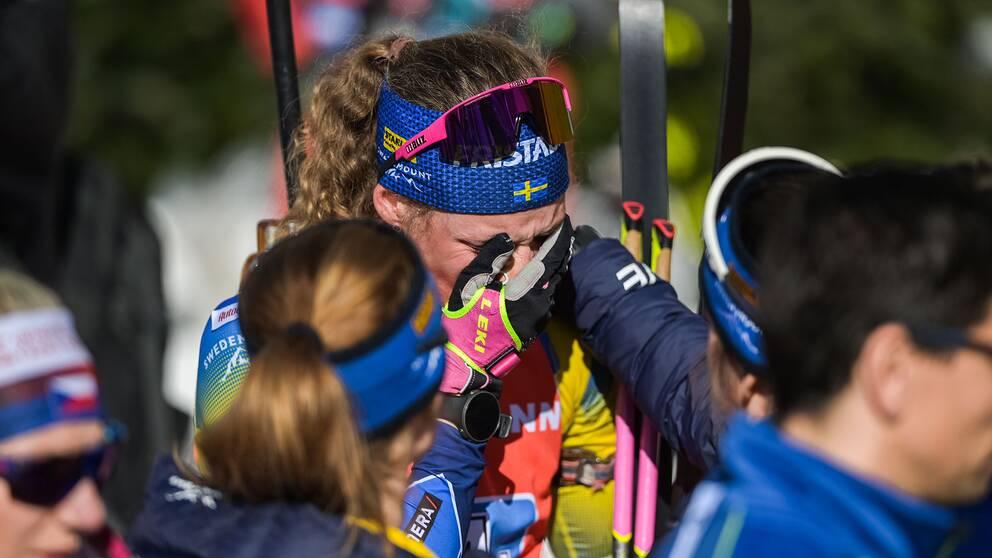 Hanna Öberg efter den missade medaljen i damstafetten.