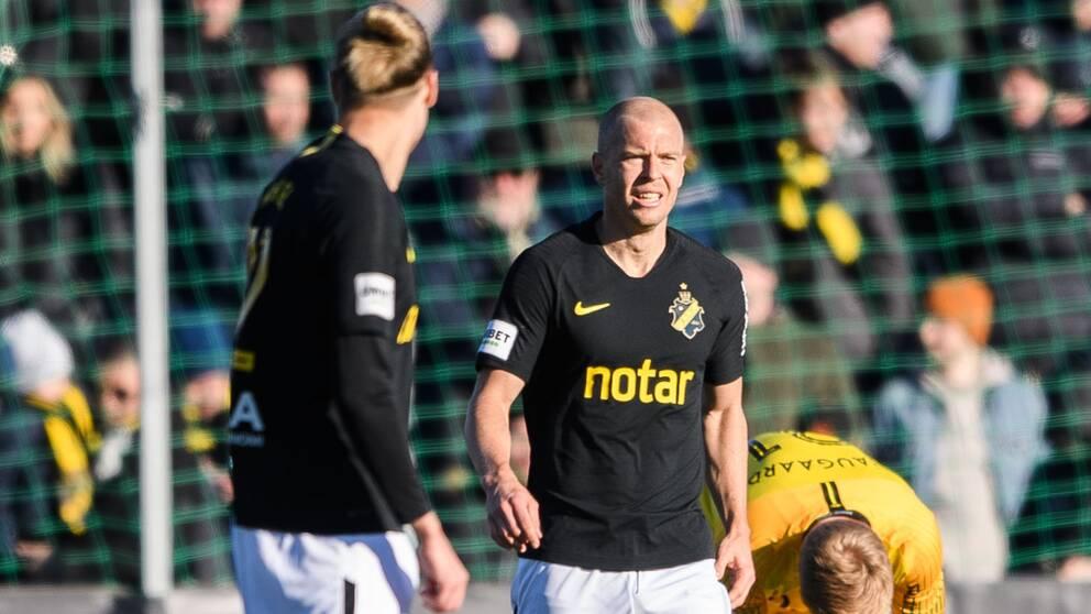 AIK:s Per Karlsson deppar efter 2-0 under fotbollsmatchen i Svenska Cupen mellan AIK och Jönköping den 23 februari 2020 i Stockholm.