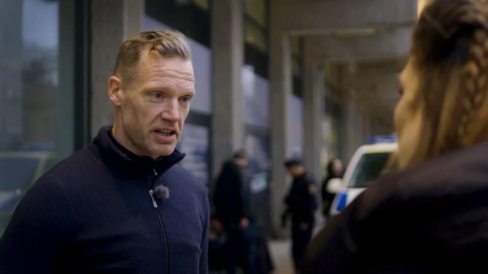 Foto på Patrik, förundersökningsledare vid rångruppen hos polisen i Göteborg city.