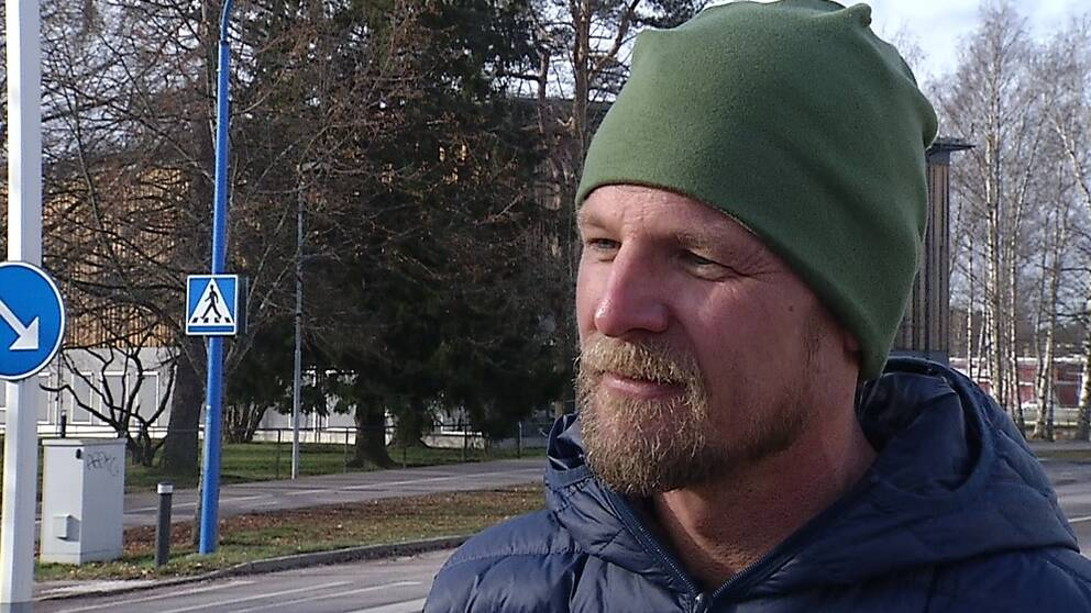 Anders Karlborg, verksamhetschef på trafiksäkerhetsorganisationen NTF i Värmland, är inte särskilt hoppfull när det gäller att stoppa fortkörarna med hjälp av farthinder och teknisk utrustning.