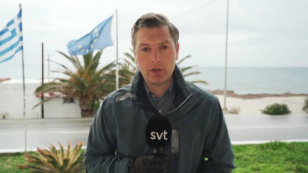 SVT:s Europakorrespondent, ChristofferWendickär på den grekiska ön Lesbos dit många flyktingar söker sig på vägen in tillEuropa. –Alla ärfrustrerade på nivåer som jag inte upplevt när jag varit här tidigare och besökt, säger han i SVT:s Morgonstudion.
