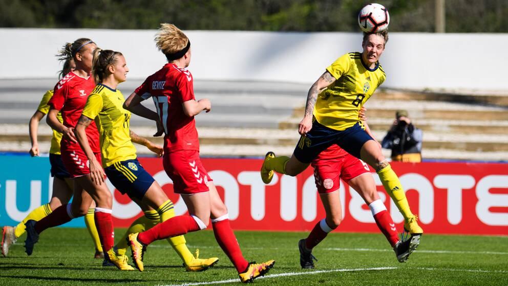 Lina Hurtig gjorde mål mot Danmark.