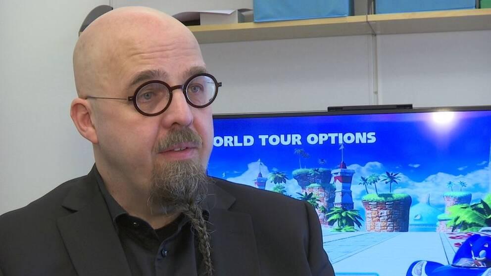 Henrik Engström, biträdande professor i informationsteknologi vid Högskolan i Skövde, tror att fler äldre kommer att spela online i framtiden.