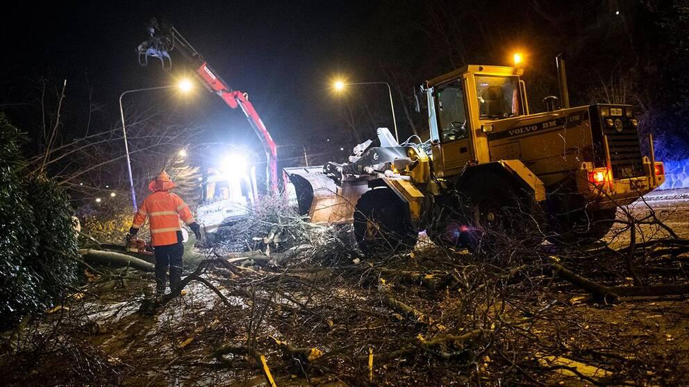 Stormen Egon gick hårt åt strömförsörjningen – och det är fortfarande stora problem med tågtrafiken i Västsverige.