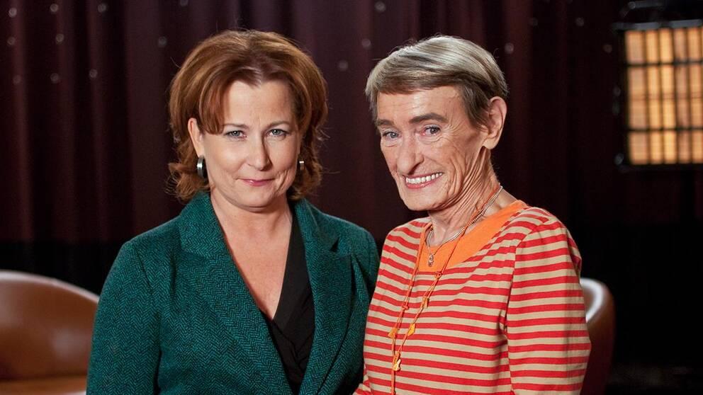 Programledaren Anna Hedenmo och författaren och illustratören Gunilla Bergström, skapare av bland annat Alfons Åberg.