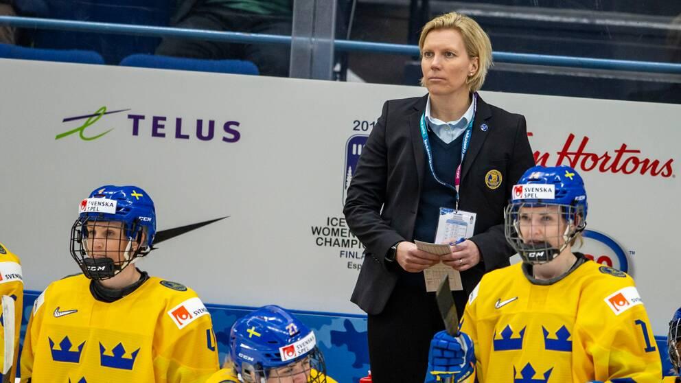 Ylva Martinsen får lämna jobbet som förbundskapten.