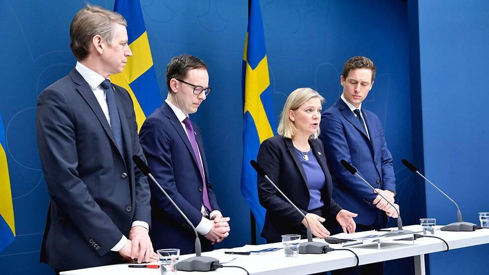 Regeringen presenter stödpaket på upp till 300 miljarder kronor till näringslivet