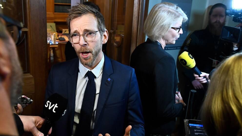 Ekonomiskapolitiska talespersonerna Jacob Forssmed (KD) och Elisabeth Svantesson (M)