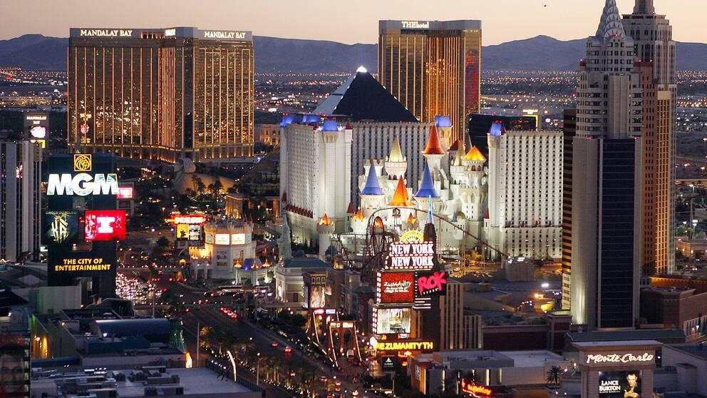 Vid midnatt natten mot onsdag stängde Las Vegas värlsberömda kasinon dörrarna.