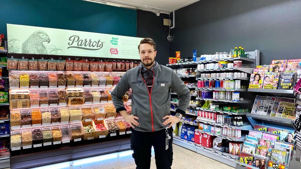 Butikschefen David Wanstål på Ica supermarket i Övertorneå.