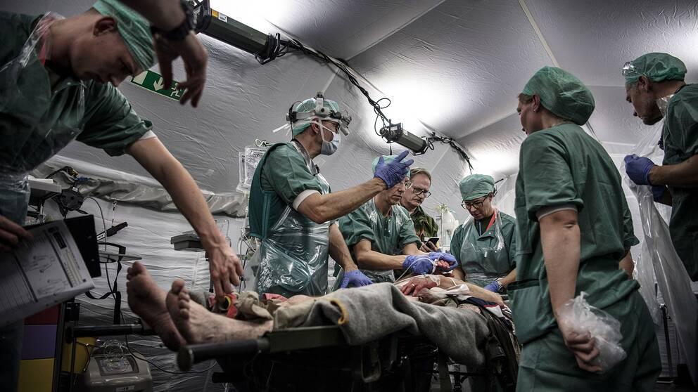 Arkivbild. Ett sjukhuskompani från Försvarsmedicincentrum i Göteborg har byggt ett fältsjukhus under övningen Aurora i september 2017.