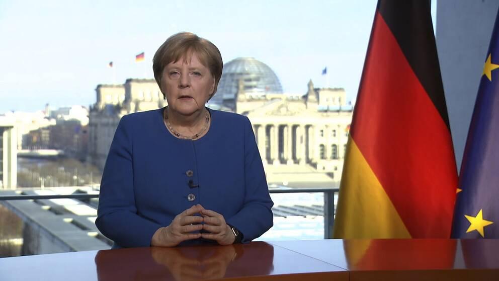 Förbundskansler Angela Merkel vill undvika att införa nationella tvångsåtgärder. I ett tal nyligen vädjade hon till alla att ta sitt ansvar för att minska spridningen av coronavirussjukdomen.