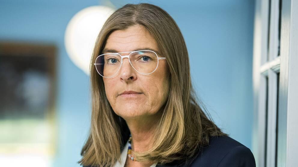 LO:s förste vice ordförande Therese Guovelin säger att läget är kritiskt för löntagarna i många branscher.