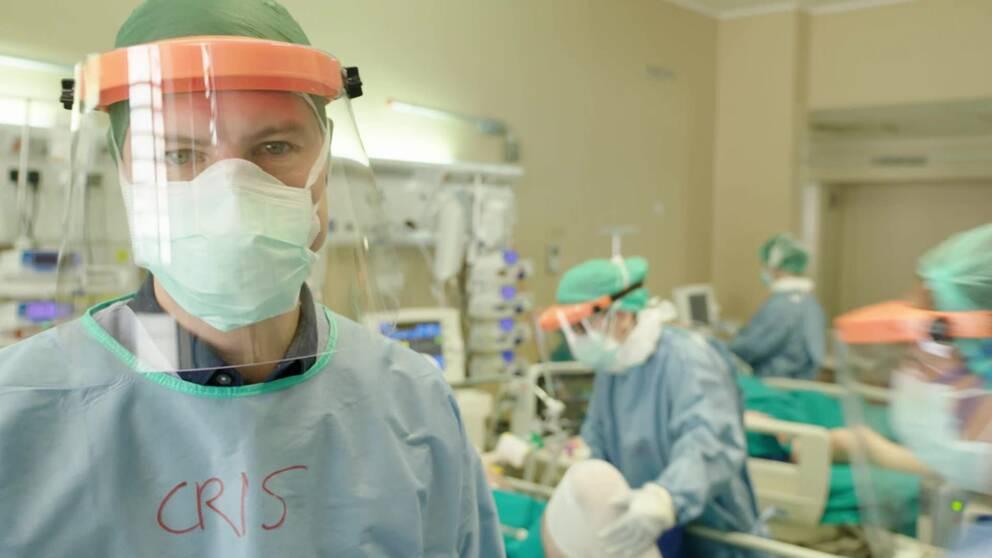 SVT:s Europakorrespondent Christoffer Wendick på plats i en av norra Italiens hårt ansträngda intensivvårdsavdelningar.