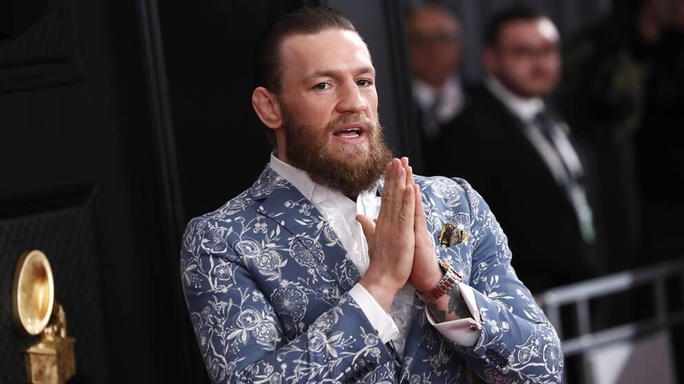 UFC-stjärnan Conor McGregor är en av flera stora idrottsstjärnor som skänker pengar för att bekämpa coronaviruset.