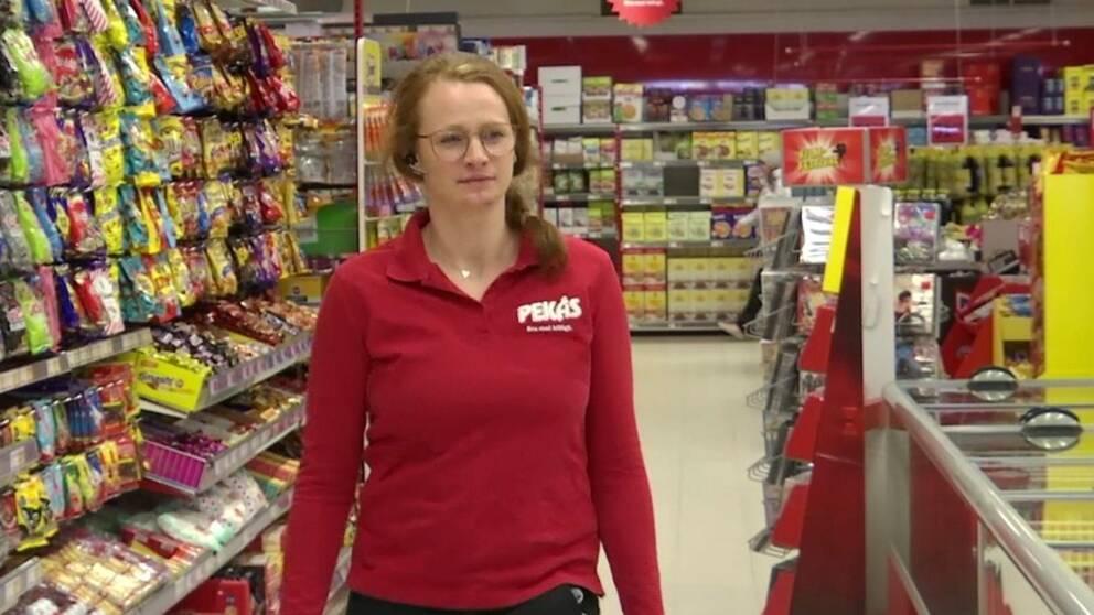 Jessica Jonsson, som är biträdande butikschef på en butik i Hagfors, tror inte att restriktionerna kommer innebära speciellt mycket besvär.