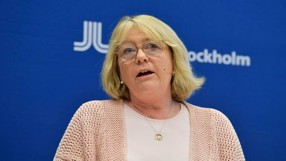 Finansregionråd Irene Svenonius (M) under en presskonferens om Region Stockholms arbete med anledning av covid-19.