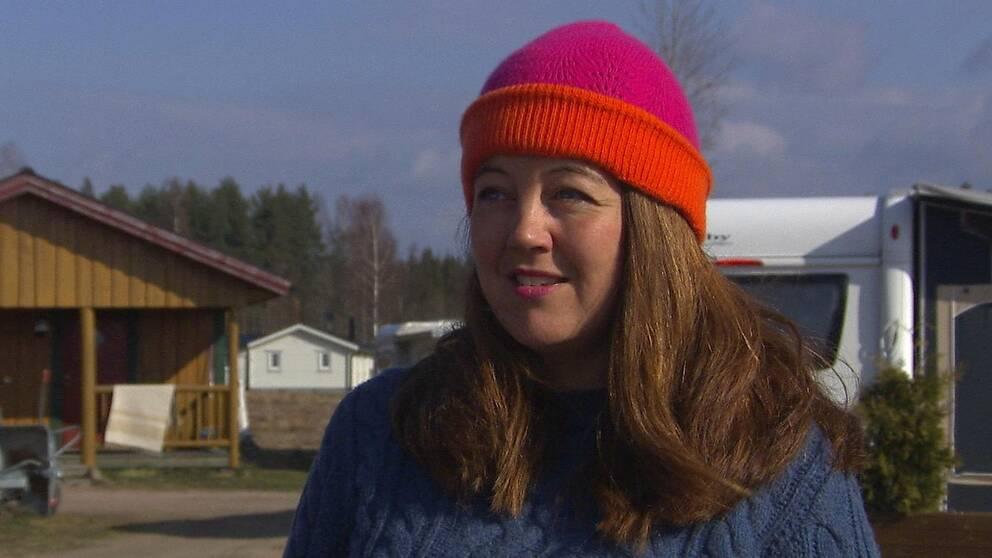 Helena Henriksson, vd på Torsby camping, berättar att det är tomt på campingen och att hon är orolig för sommaren som kommer.