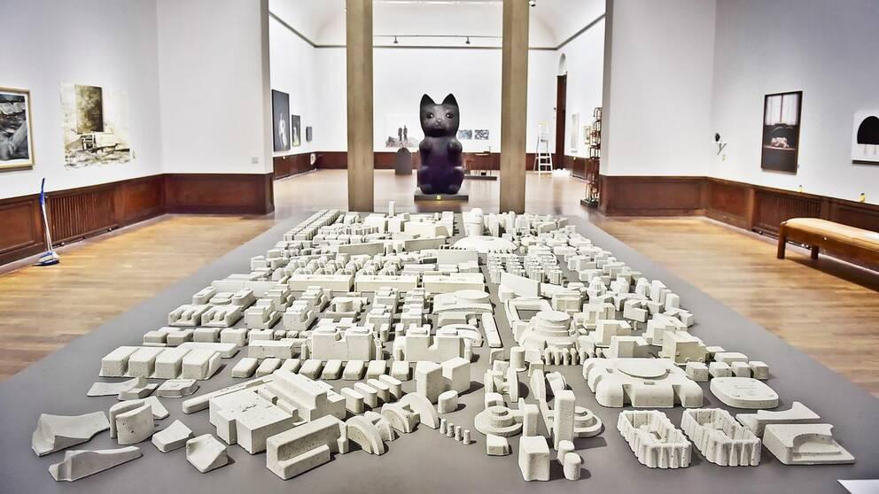 """Simon Anunds betongskulptur """"Fragile"""" visas på vårsalongen på Liljevalchs konsthall"""