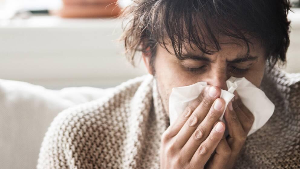 blir lätt förkyld