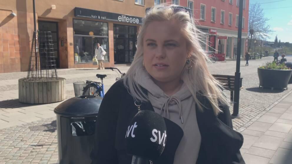 Fanny Zabel är en av de som skulle ta studenten i år, men nu ställs studentfirandet in