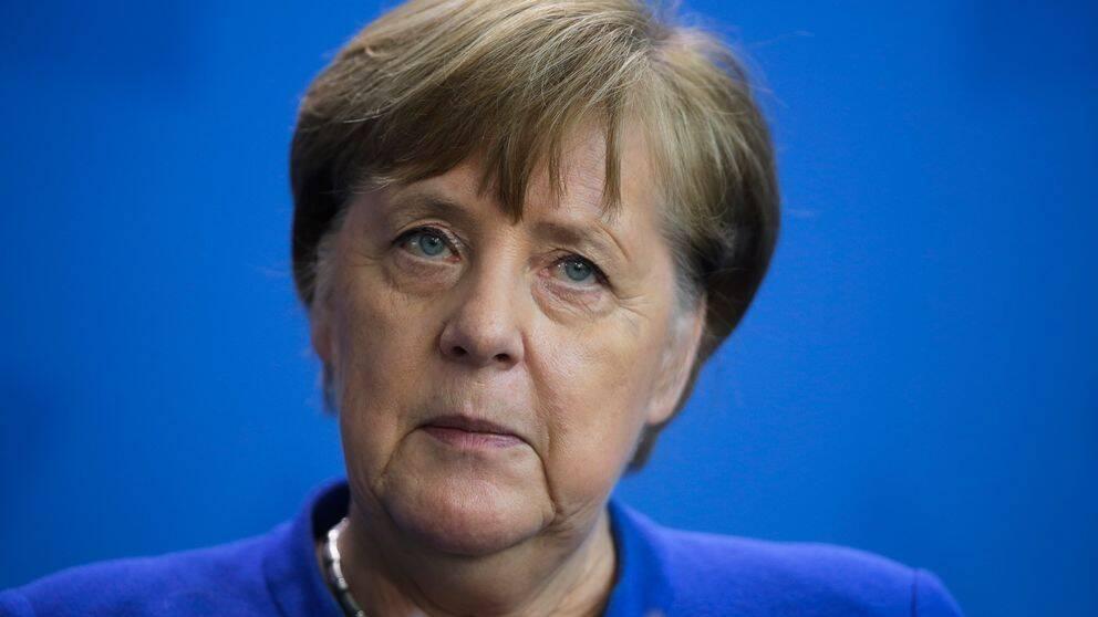 Tysklands förbundskansler Angela Merkel vid en pressträff på måndagen.
