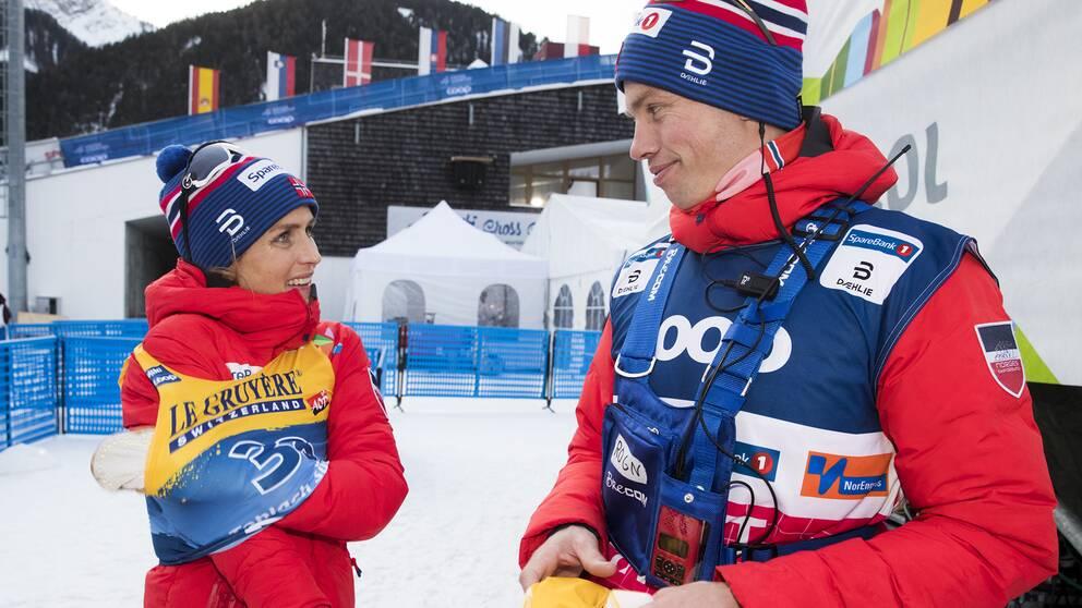 Geir Endre Rogn tillsammans med Therese Johaug.