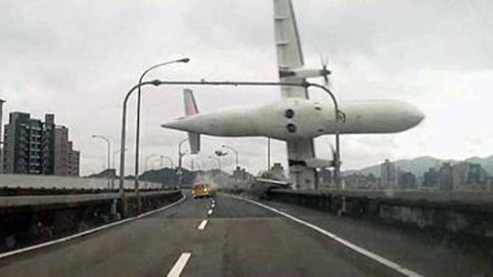 Svenskt flygplan stortade i norge en dod