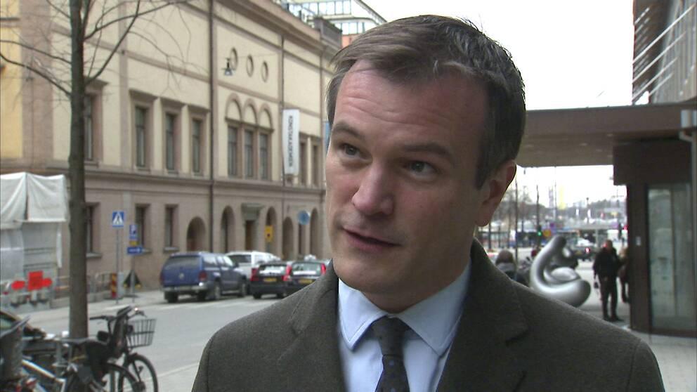 """Gustaf Hoffstedt, generaldirektör för Branschföreningen för onlinespel: """"Regelverken driver spelare bort från den licenserade spelmarknaden"""""""