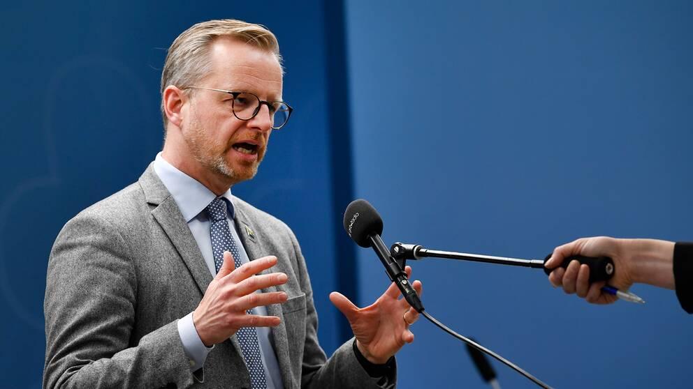 Inrikesminister Mikael Damberg (S) under en pressträff